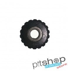 Chain tensioner guide wheel